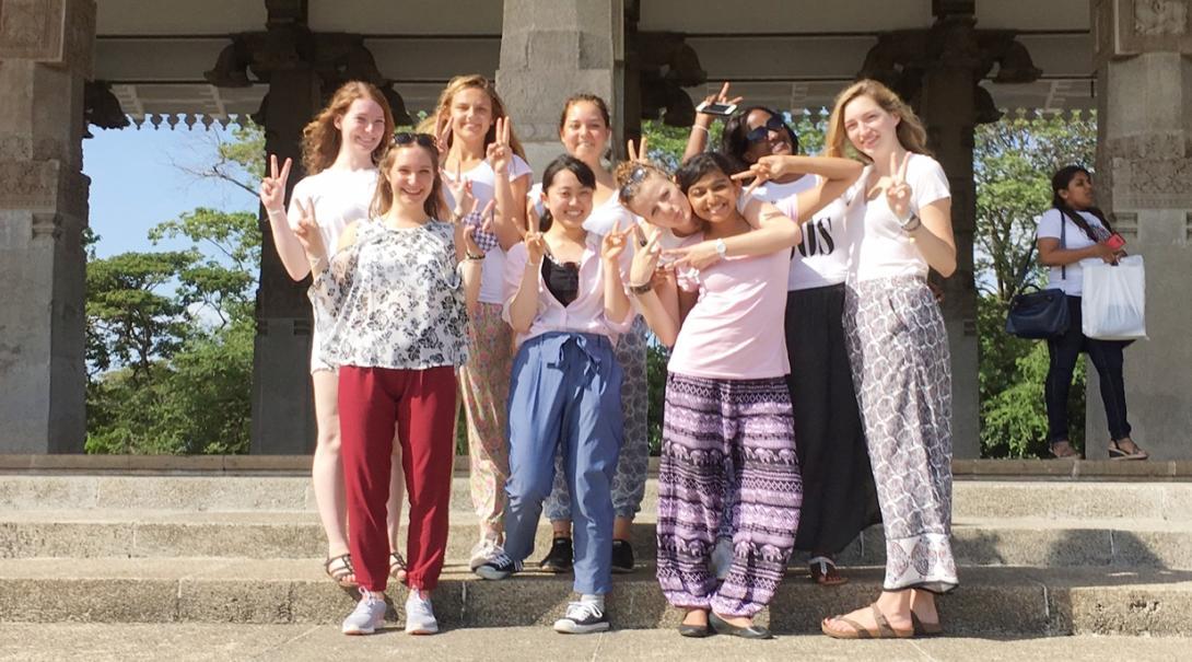 スリランカで出会い、交流し、共に冒険する高校生ボランティアたち